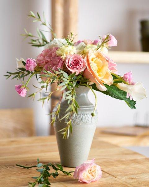 Garden Roses Ranunculus Spray Roses In Vase Wright Flower Company
